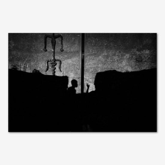 Skygger i lejren i Port-au-Prince. Foto Klaus Bo.