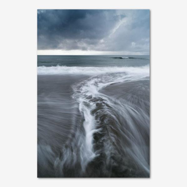 Bølger brydes. Foto Jesper Tønning.